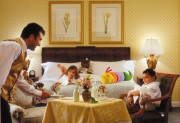 chicago-hotels-ritz-carlton-kids-room-service-full